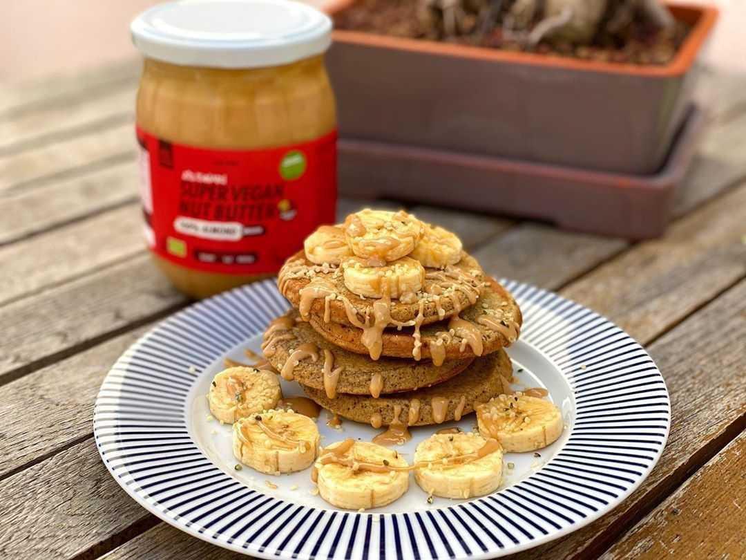 Tortitas de avena sin gluten y manzana
