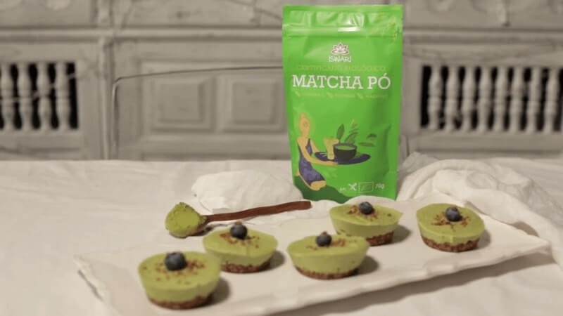 Raw Matcha and Cocoa Pies