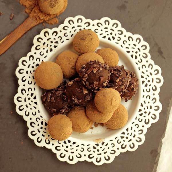 Energy Ball With Cocoa And Almonds