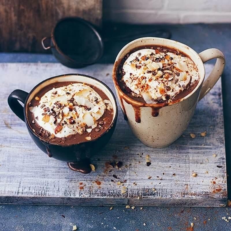 Cioccolata Calda con Chantilly di Cocco