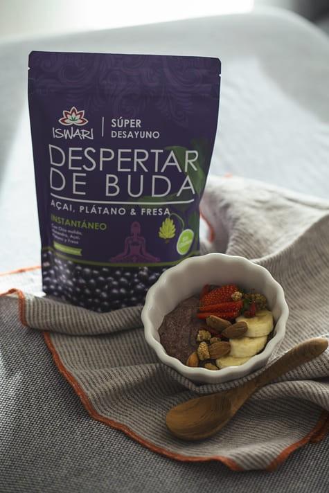 Bowl Despertar De Buda Açaí Y Fresa Con Bebida De Arroz