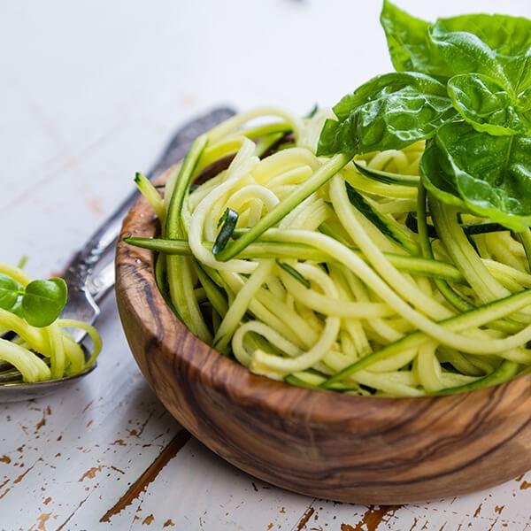 Spaghetti di Zucchine con Salsa ai Funghi e Edamame