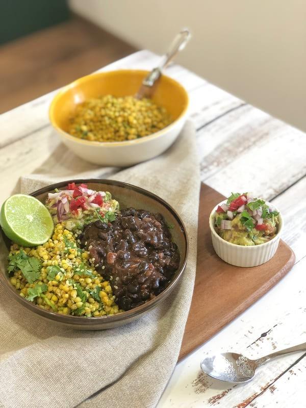 Frijoles Negros, Trigo Sarraceno Amarillo Y Guacamole